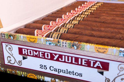 Romeo y Julieta Capuletos EL 2016